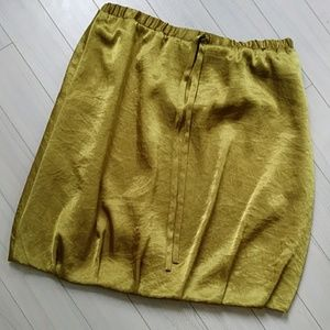 🌷2/$12 Simply Vera Vera Wang balloon skirt*